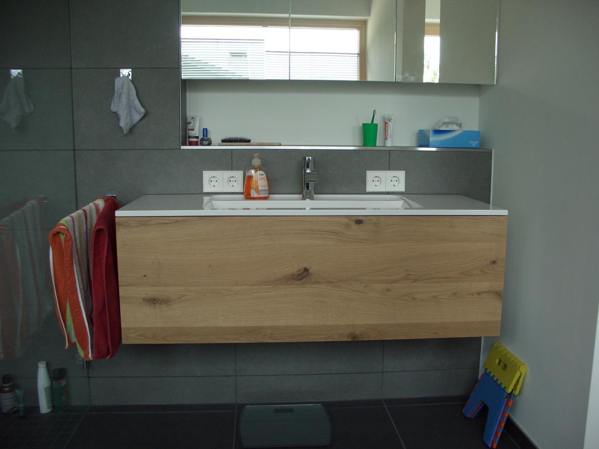elegantes waschtischunterschrank f r aufsatzwaschbecken. Black Bedroom Furniture Sets. Home Design Ideas
