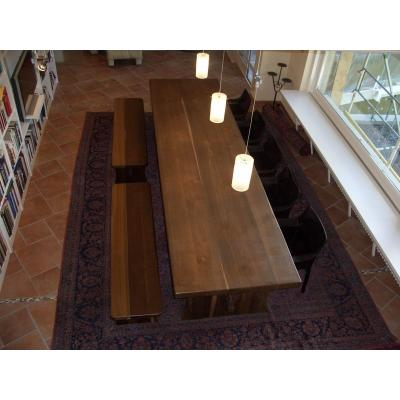 Esstisch mit Sitzbänken aus massiver geräucherter Eiche
