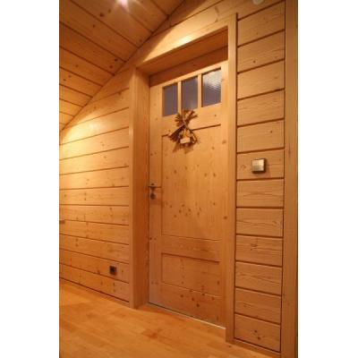 Wand- + Deckenverkleidung mit integrierter Zimmertür